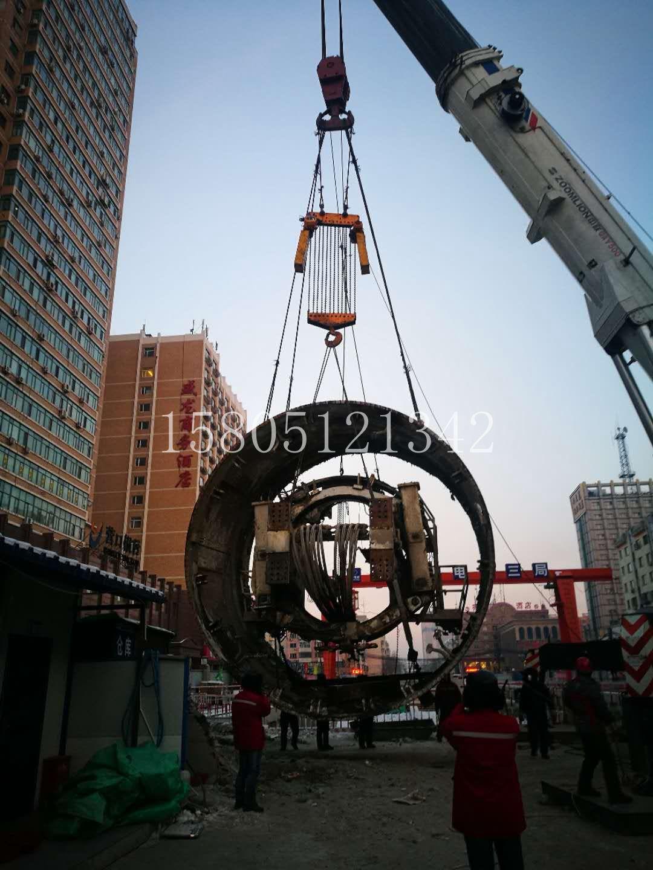 无锡宜兴市600吨吊车出租公司
