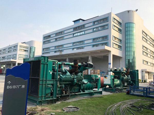淮安某电子厂出租两台800KW康明斯发电机
