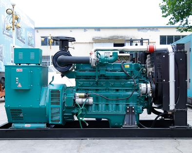 上海嘉定县泰豪300kw大型柴油发电机组